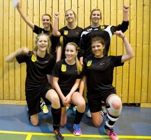 Tigrane vann Dameklassen. Bak f.v.: Kaja Myklebust, Tonita Noreng Tollefsen, Betina Noreng Tollefsen. Framme f.v.: Marie Svanes, Oda Loug Pedersen, Live Hansen Jørgensen.
